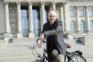 Matthias Gastel fährt Rad