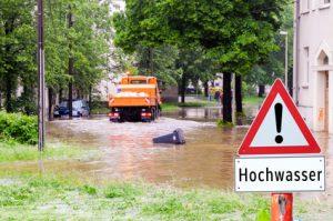 Achtung Hochwasser Schild 01