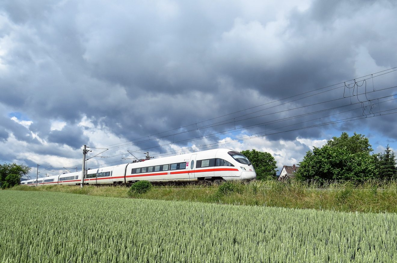 intercity-express-1284735_1920